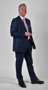 Portrait Andreas Dolezal mit Brille